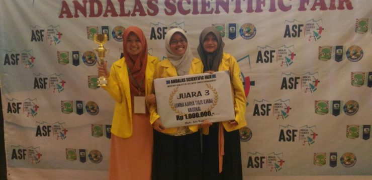 Mahasiswa FIK di Andalas Scientific Fair 2016