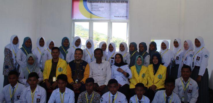 Aksi FIK UI Berdayakan Remaja dalam Pembentukan Pusat Informasi Manajemen Bencana