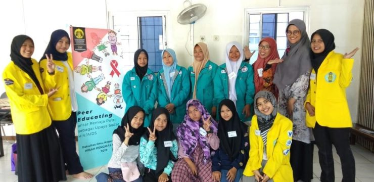 "Pelatihan Teman Sebaya Sadar HIV/AIDS ""Jelita"" untuk Remaja Awal Perempuan di Sekolah Menengah Pertama Masjid Terminal Depok"