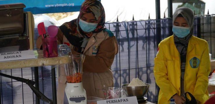 Tim FIK UI Ajarkan Warga Membuat Mie dari Sayuran